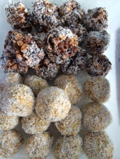 Half Choc & Nut Bliss balls and Half Apricot Bliss Balls